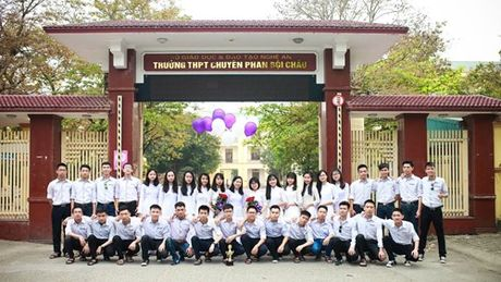 Nghe An: 1 lop hoc co 3 diem 10 mon Toan thi THPT quoc gia. - Anh 1