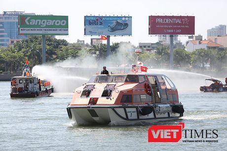 Hai quan Viet-My dien tap ung pho thien tai tai Da Nang - Anh 37