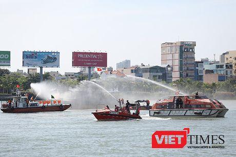 Hai quan Viet-My dien tap ung pho thien tai tai Da Nang - Anh 49