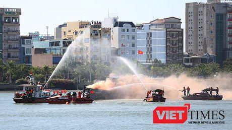 Hai quan Viet-My dien tap ung pho thien tai tai Da Nang - Anh 5