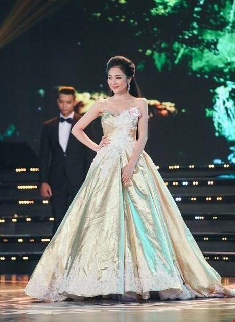 Nguoi dep giong hoa hau Nguyen Thi Huyen nhat o Hoa hau VN 2016 - Anh 21