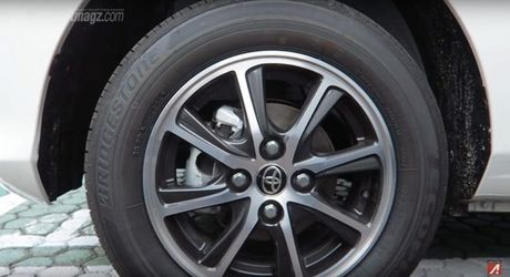 Xe gia dinh Toyota Calya gia re khoang 255 trieu dong ra mat o Indonesia - Anh 14
