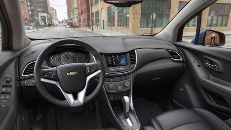 Chevrolet Trax 2017 canh tranh voi Honda HR-V bang gia 21.895 USD - Anh 4