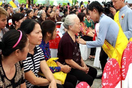 Phat tu doi mua du Le Vu Lan tai Cong vien nghia trang dep nhu Resort tai Phu Tho - Anh 1