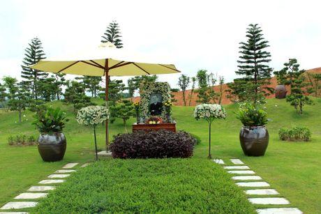 Phat tu doi mua du Le Vu Lan tai Cong vien nghia trang dep nhu Resort tai Phu Tho - Anh 2