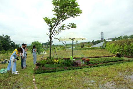 Phat tu doi mua du Le Vu Lan tai Cong vien nghia trang dep nhu Resort tai Phu Tho - Anh 3