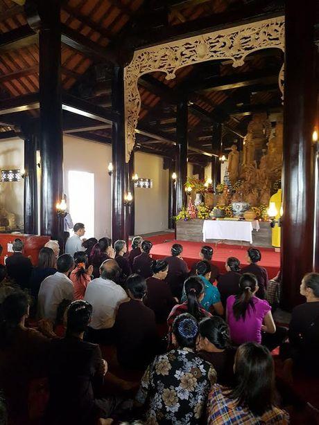 Phat tu doi mua du Le Vu Lan tai Cong vien nghia trang dep nhu Resort tai Phu Tho - Anh 4