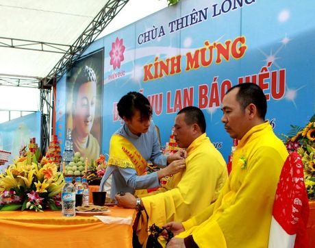 Phat tu doi mua du Le Vu Lan tai Cong vien nghia trang dep nhu Resort tai Phu Tho - Anh 8