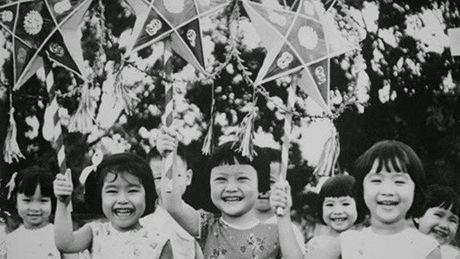 Bo anh tuyet dep ve Tet Trung Thu xua o Viet Nam - Anh 13