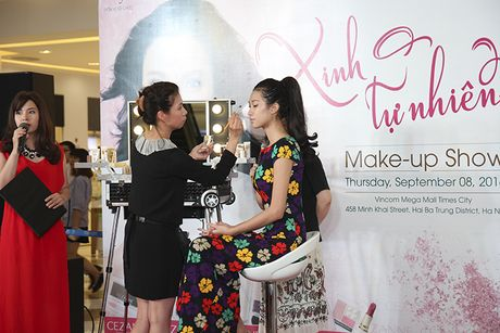 Tra Ngoc Hang than thiet cung Andrea tham gia Make up show - Anh 12