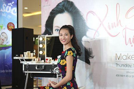 Tra Ngoc Hang than thiet cung Andrea tham gia Make up show - Anh 13