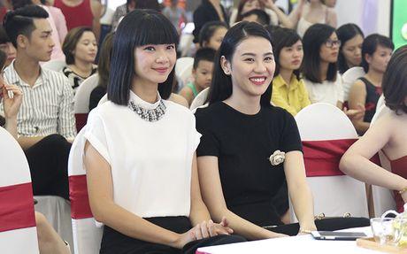 Tra Ngoc Hang than thiet cung Andrea tham gia Make up show - Anh 3