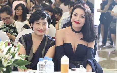 Tra Ngoc Hang than thiet cung Andrea tham gia Make up show - Anh 6
