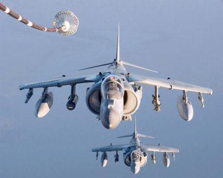 Cuong kich AV-8B Harrier lap ky luc moi - Anh 1