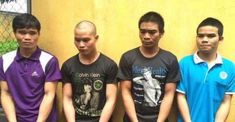 4 anh em ruot lap bang chuyen trom, cuop o Tay Nguyen - Anh 1