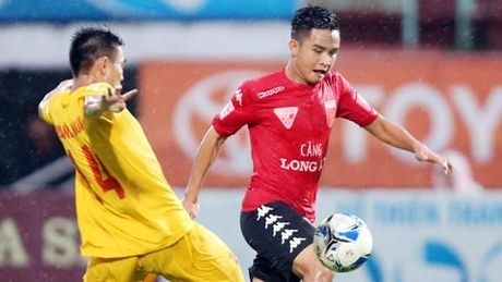Truc tiep Long An vs Viettel play-off thang hang V.League 2017 - Anh 1