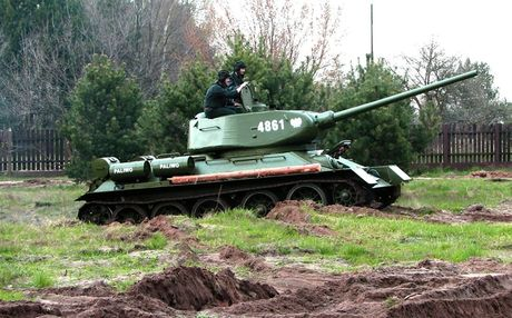"Kinh ngac: ""Bo lao"" T-34-85 van tham chien o Syria - Anh 10"