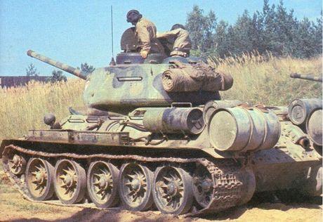 "Kinh ngac: ""Bo lao"" T-34-85 van tham chien o Syria - Anh 11"
