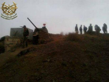 "Kinh ngac: ""Bo lao"" T-34-85 van tham chien o Syria - Anh 1"