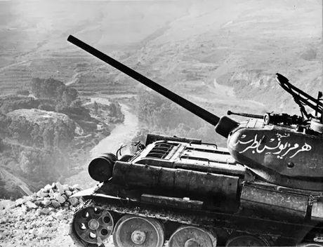 "Kinh ngac: ""Bo lao"" T-34-85 van tham chien o Syria - Anh 3"