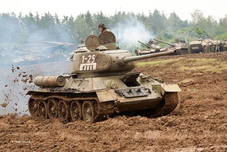 "Kinh ngac: ""Bo lao"" T-34-85 van tham chien o Syria - Anh 6"
