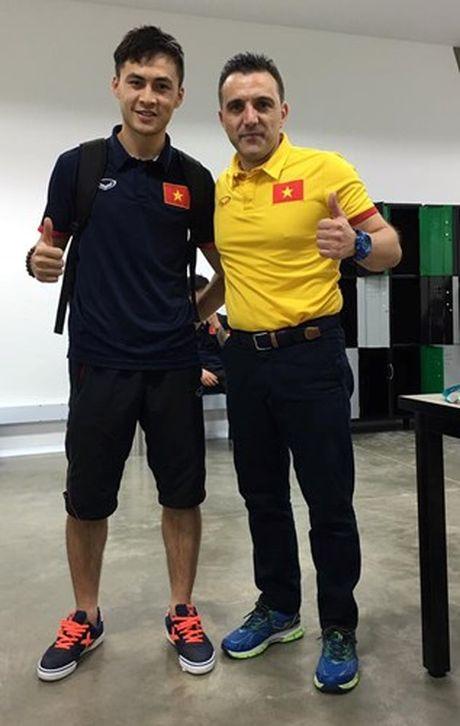 Tuyen thu Futsal Viet Nam gia tu su nghiep sau khi ve nuoc - Anh 7