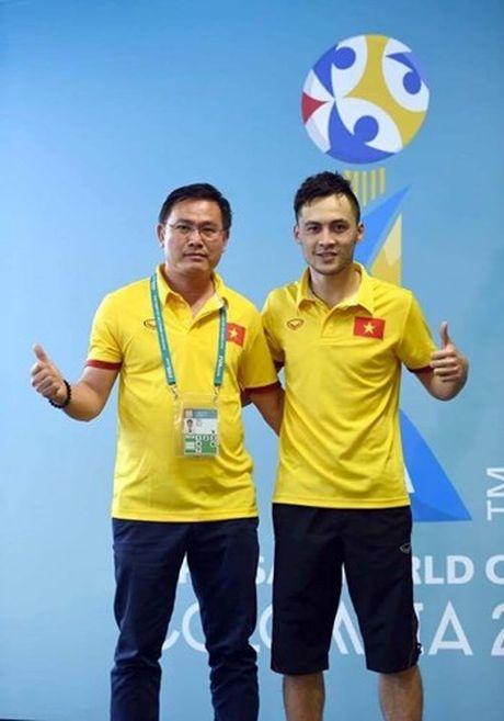 Tuyen thu Futsal Viet Nam gia tu su nghiep sau khi ve nuoc - Anh 8