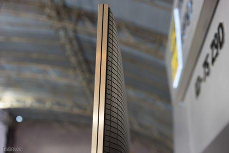 Tren tay TV Sony Bravia Z9D: Thiet ke ngau, dung den LED nen full-array, gia du kien duoi 200 trieu - Anh 4