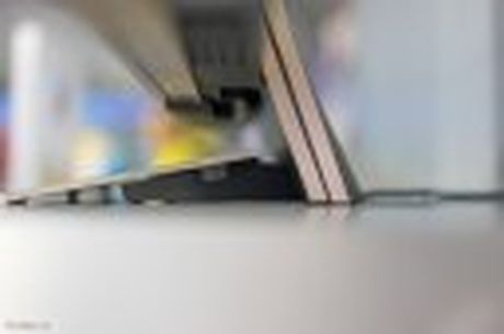 Tren tay TV Sony Bravia Z9D: Thiet ke ngau, dung den LED nen full-array, gia du kien duoi 200 trieu - Anh 8