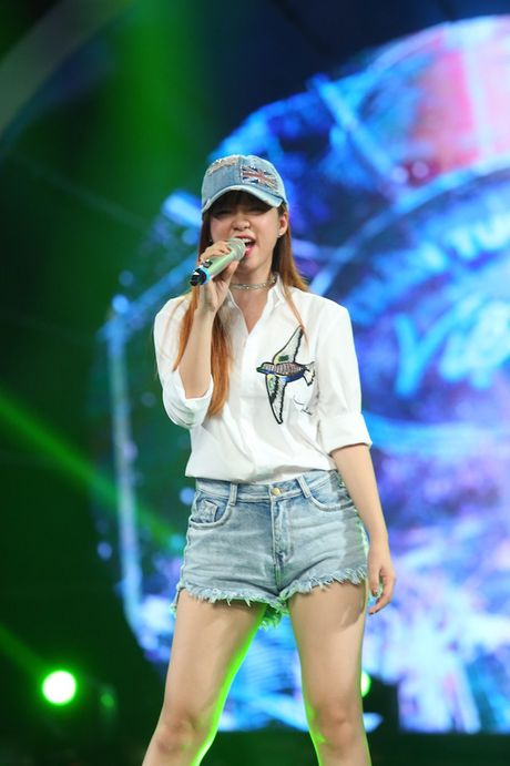 "Dinh Huong va Hoang Quyen ""ru nhau"" khuay dong CK Vietnam Idol - Anh 10"