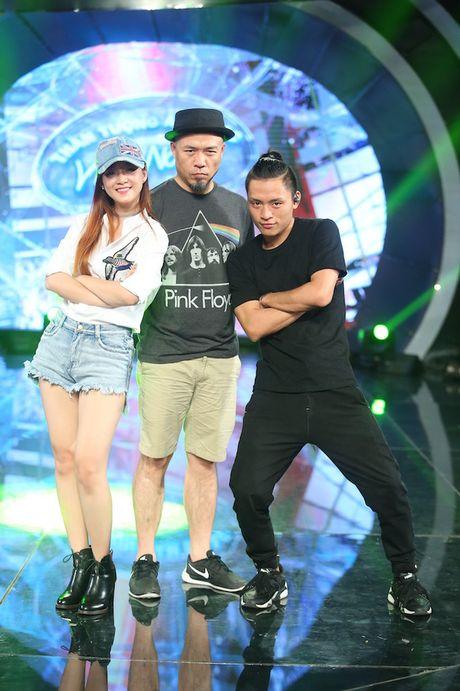 "Dinh Huong va Hoang Quyen ""ru nhau"" khuay dong CK Vietnam Idol - Anh 3"