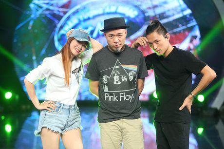 "Dinh Huong va Hoang Quyen ""ru nhau"" khuay dong CK Vietnam Idol - Anh 4"