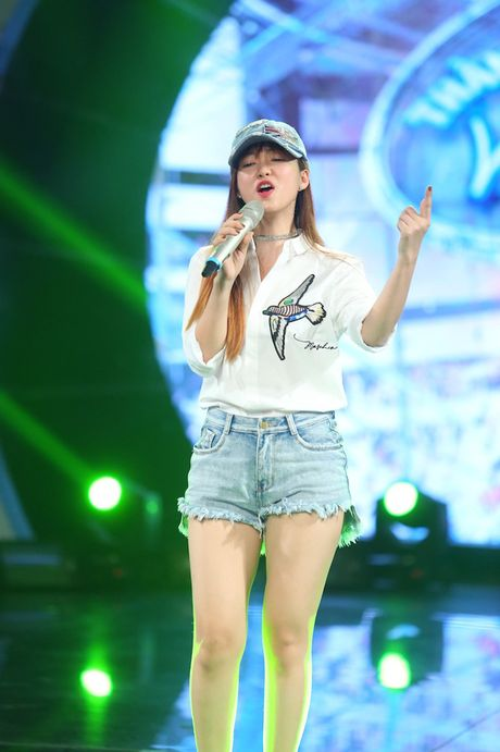 "Dinh Huong va Hoang Quyen ""ru nhau"" khuay dong CK Vietnam Idol - Anh 8"