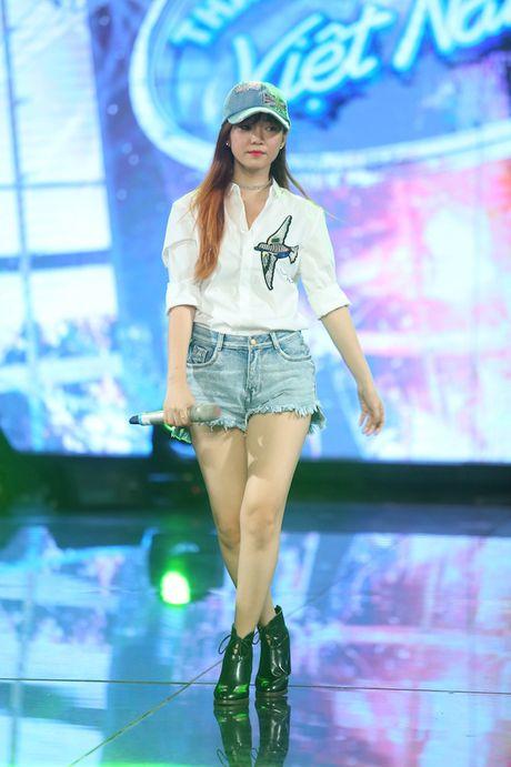 "Dinh Huong va Hoang Quyen ""ru nhau"" khuay dong CK Vietnam Idol - Anh 9"