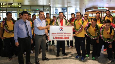 VFF thuong tuyen futsal Viet Nam bang 1/3 Thai Lan - Anh 1