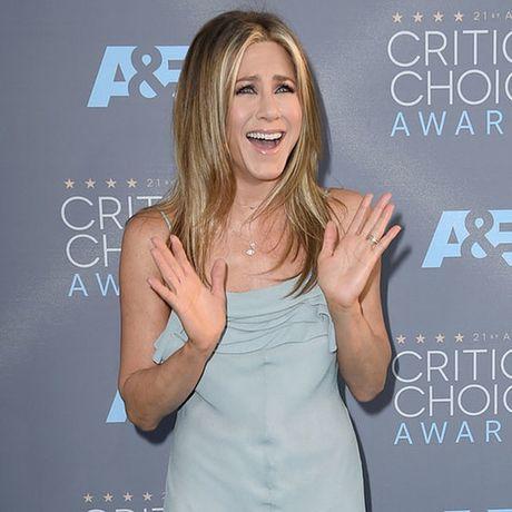 Mourinho che Brad Pitt ngoc vi chia tay Aniston, cuoi Angelina - Anh 2