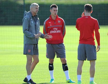 """Wenger: Cau thu Arsenal phai """"mau lanh"""" voi Costa - Anh 1"""