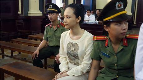 Vbiz 23/9: Them tinh tiet moi vu Phuong Nga, Ha Ho 'mat trang' khi Chu Dang Khoa ve ben vo? - Anh 1