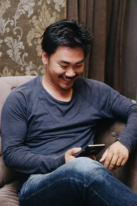 Khanh Hien va ban trai Viet kieu rang ro di thu trang phuc cuoi - Anh 2