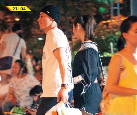 "Song xa chong, Lam Tam Nhu trai long: ""Khong co gi thay doi ngoai than phan"" - Anh 4"