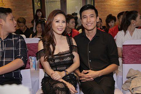 "Thanh Ha va ban trai kem 12 tuoi bat ngo bi ""tach doi"" - Anh 6"