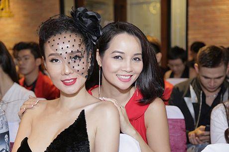 "Thanh Ha va ban trai kem 12 tuoi bat ngo bi ""tach doi"" - Anh 9"
