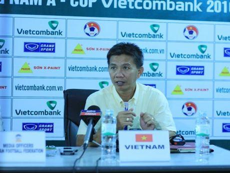U19 Viet Nam dai bai, HLV Hoang Anh Tuan chi trich hoc tro - Anh 1