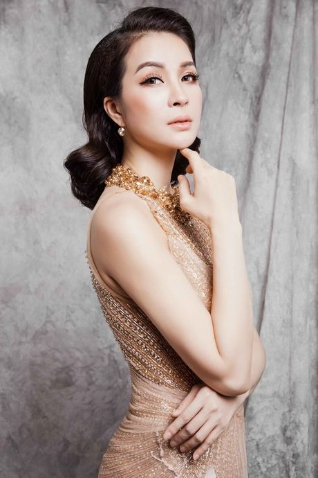 Mc Thanh Mai dep kieu sa voi vay da hoi - Anh 10