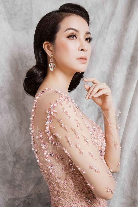 Mc Thanh Mai dep kieu sa voi vay da hoi - Anh 5