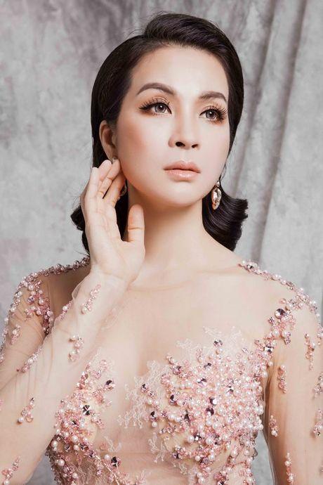 Mc Thanh Mai dep kieu sa voi vay da hoi - Anh 6