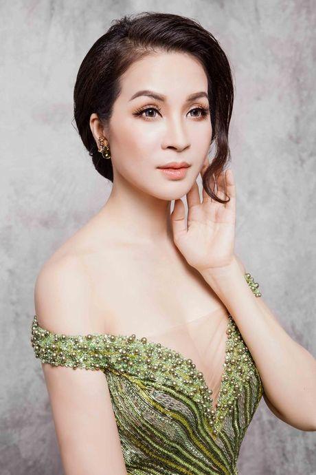 Mc Thanh Mai dep kieu sa voi vay da hoi - Anh 8