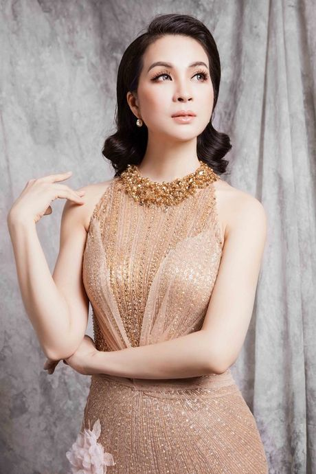 Mc Thanh Mai dep kieu sa voi vay da hoi - Anh 9