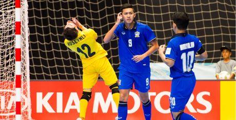 Hong 2 qua penalty trong 30 giay, Thai Lan dau don roi World Cup - Anh 1