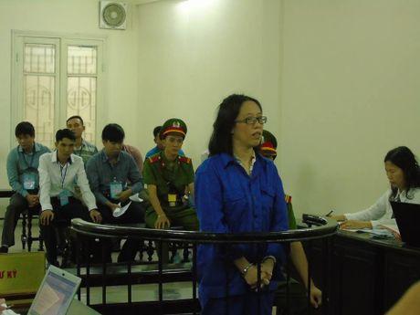 Huynh Thi Huyen Nhu lai ra toa trong vu chiem doat 670 ty cua ACB - Anh 1